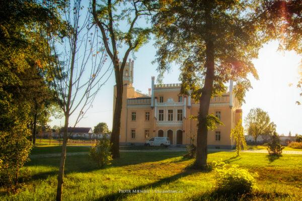 Pałac w Naroku