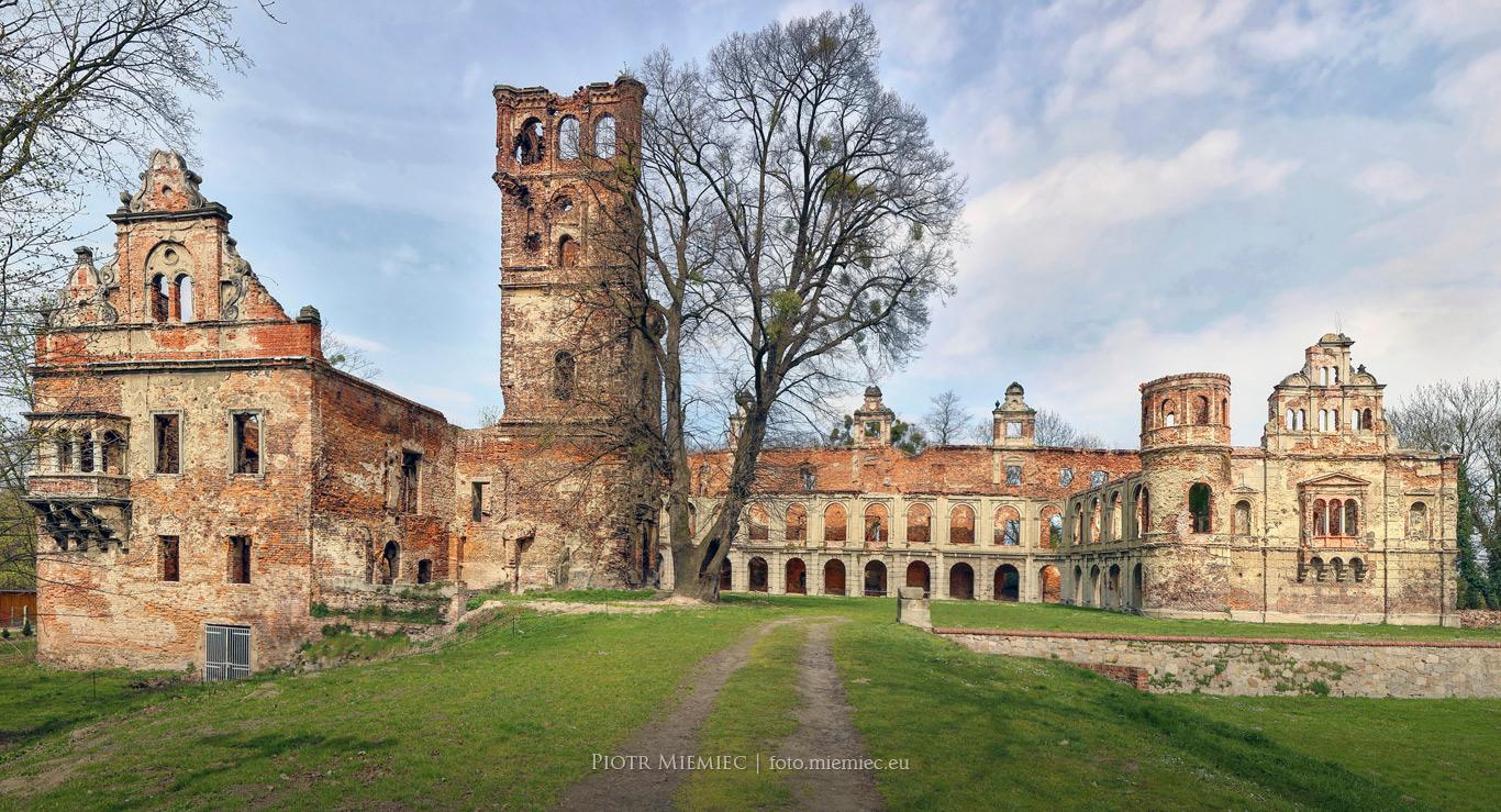 Ruiny pałacu w Tworkowie