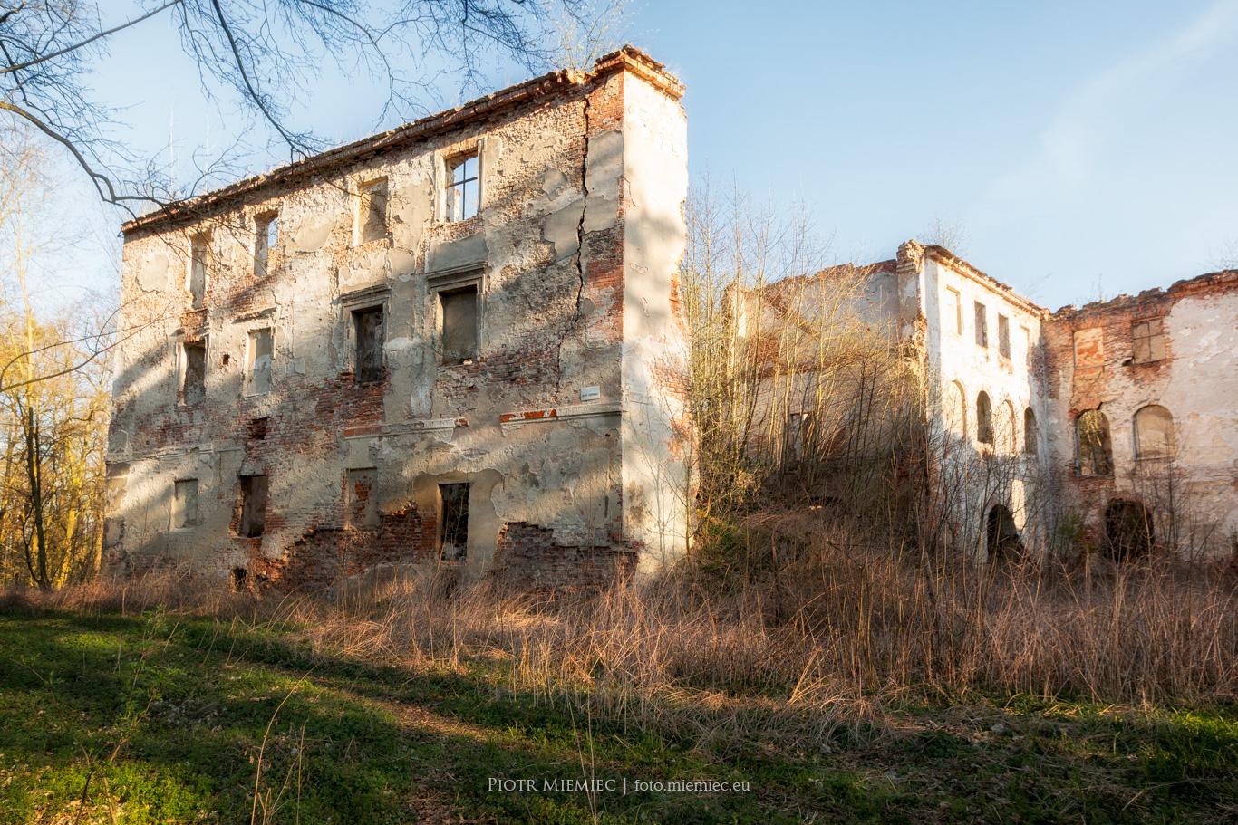 Zamek w Chrzelicach