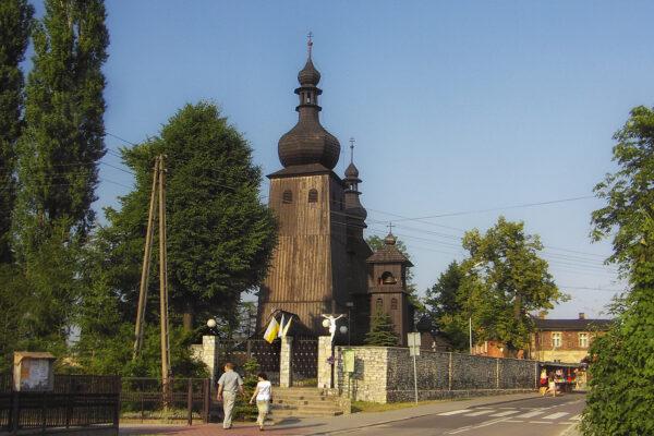 Drewniany kościół w Paniowach – czerwiec 2006