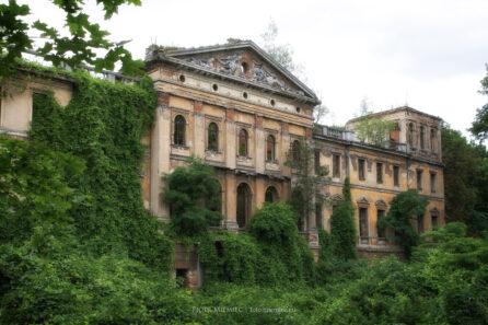 Pałac w Sławikowie – lipiec 2012