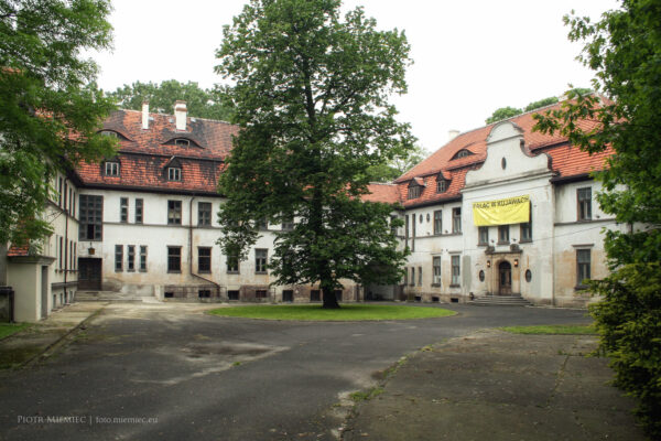 Pałac w Kujawach – maj 2010