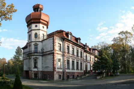 Pałac w Miedarach – październik 2010