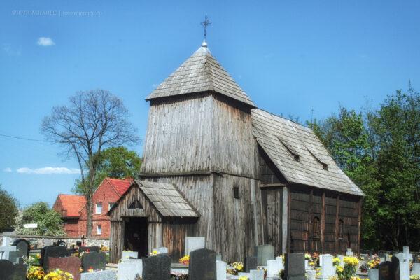 Drewniany kościół w Smolnicy