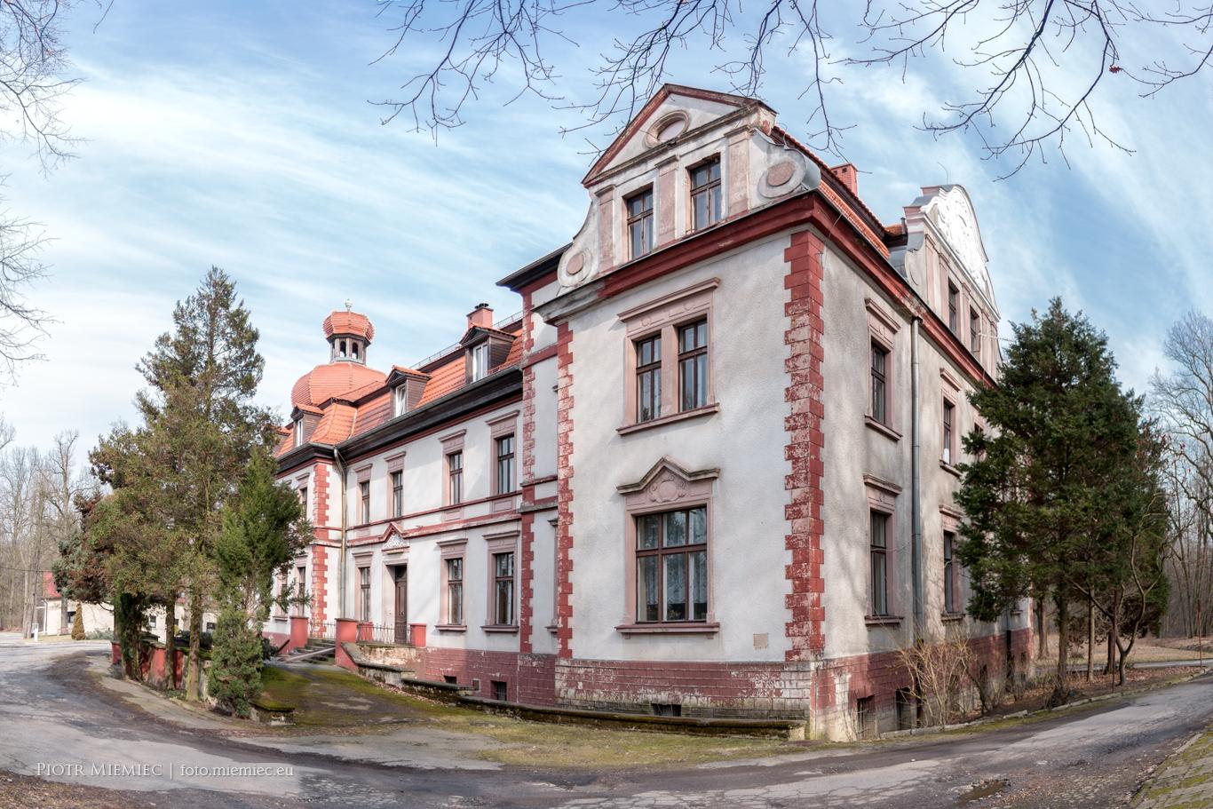 Pałac w Miedarach