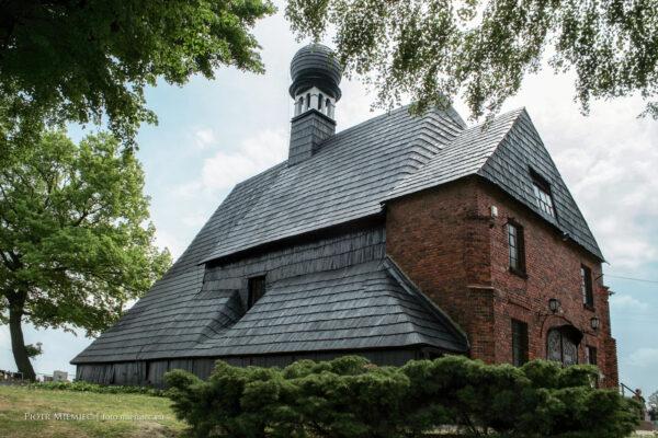 Drewniany kościół w Księżym Lesie – maj 2008