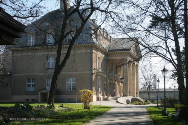 Pałac w Łubiu