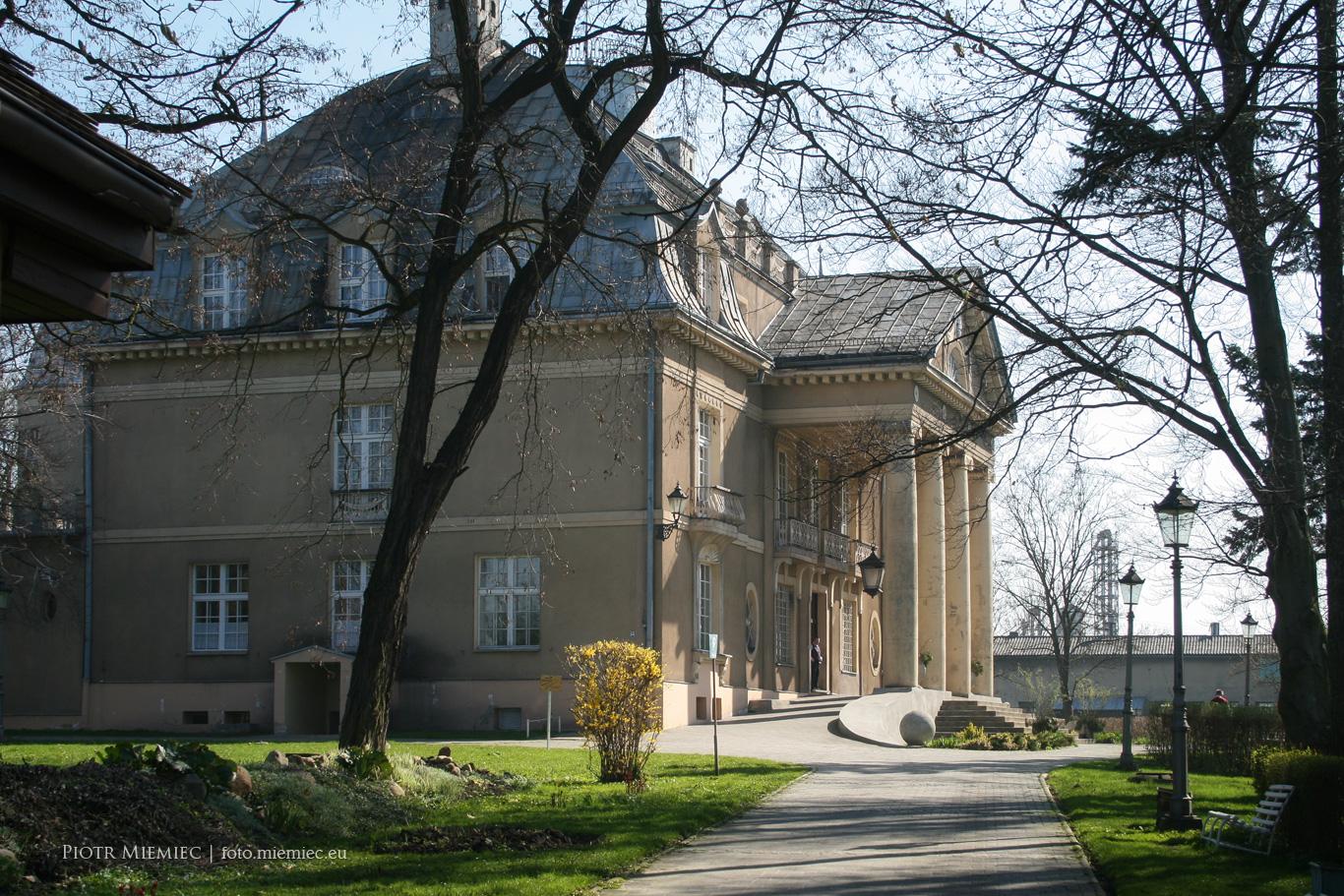Pałac w Łubiu – kwiecień 2010