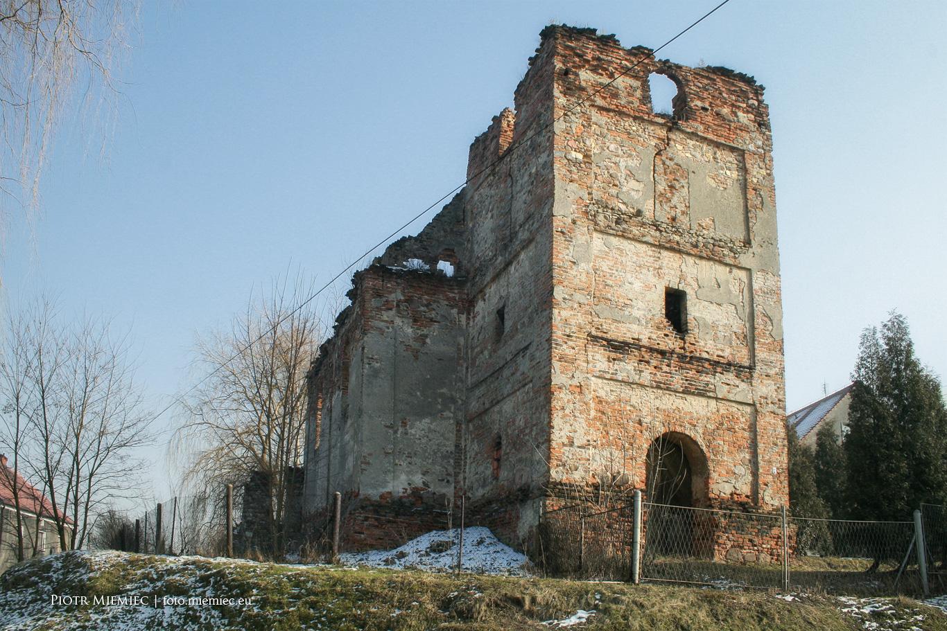 Ziemięcice ruiny kościoła