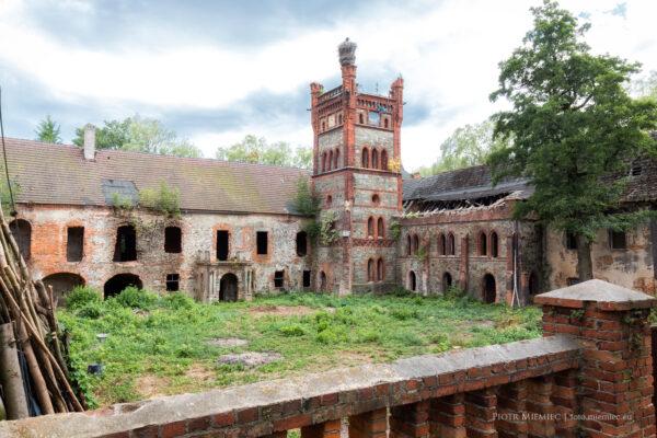 Zamek w Łące Prudnickiej – lipiec 2015