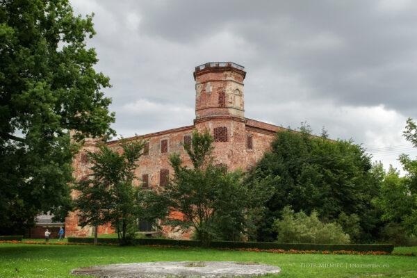 Zamek w Polskiej Cerekwi – lipiec 2012