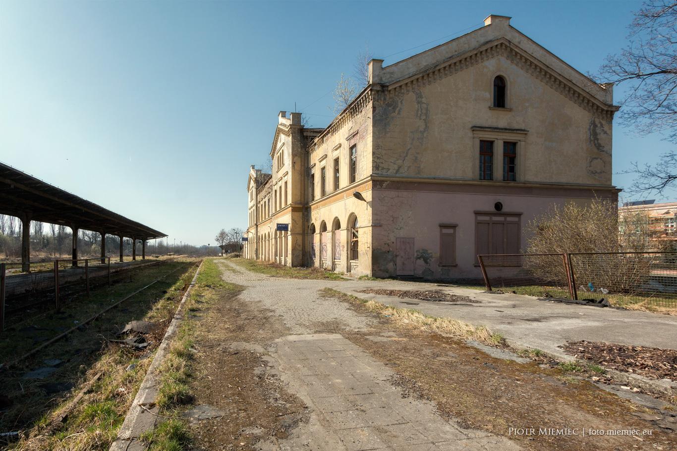 Dworzec kolejowy w Głubczycach – kwiecień 2018