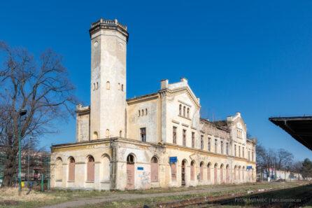 Zabytkowy dworzec kolejowy w Głubczycach