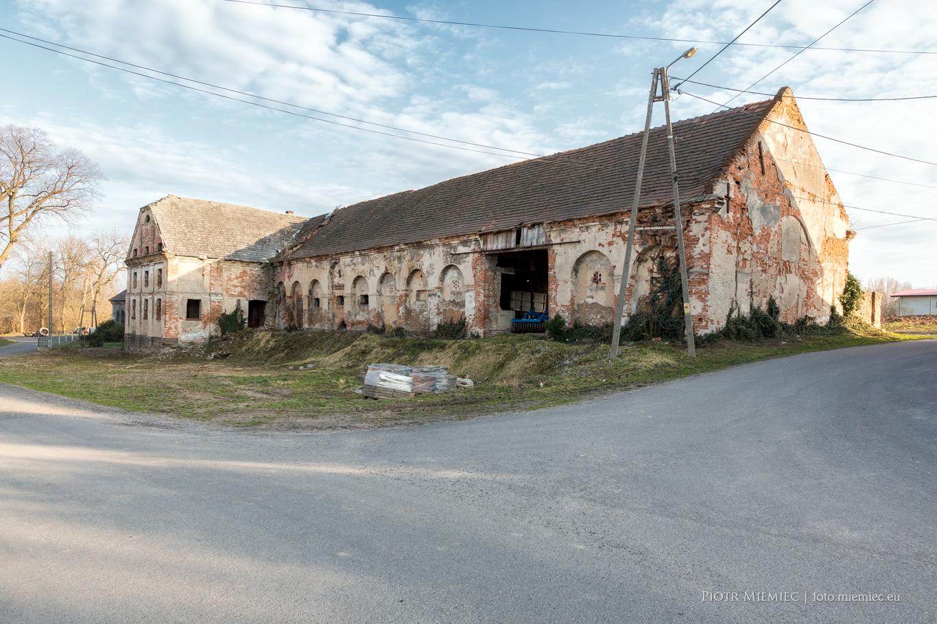 Zabudowania folwarczne w Kazimierzu