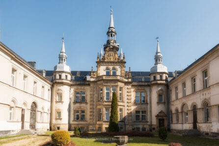 Pałac w Tułowicach – IV 2017