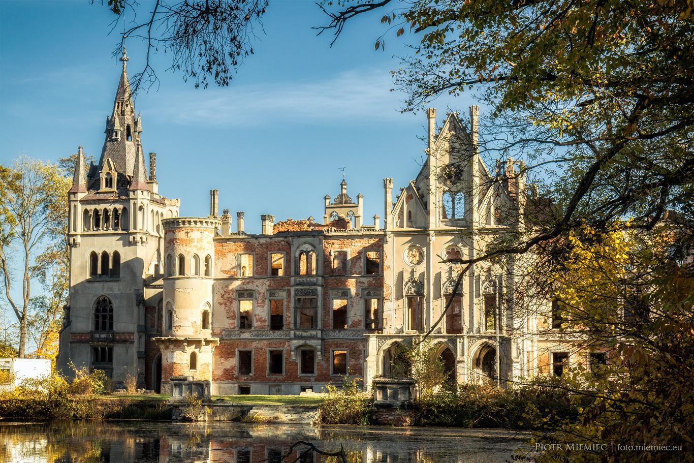 Pałac w Kopiach
