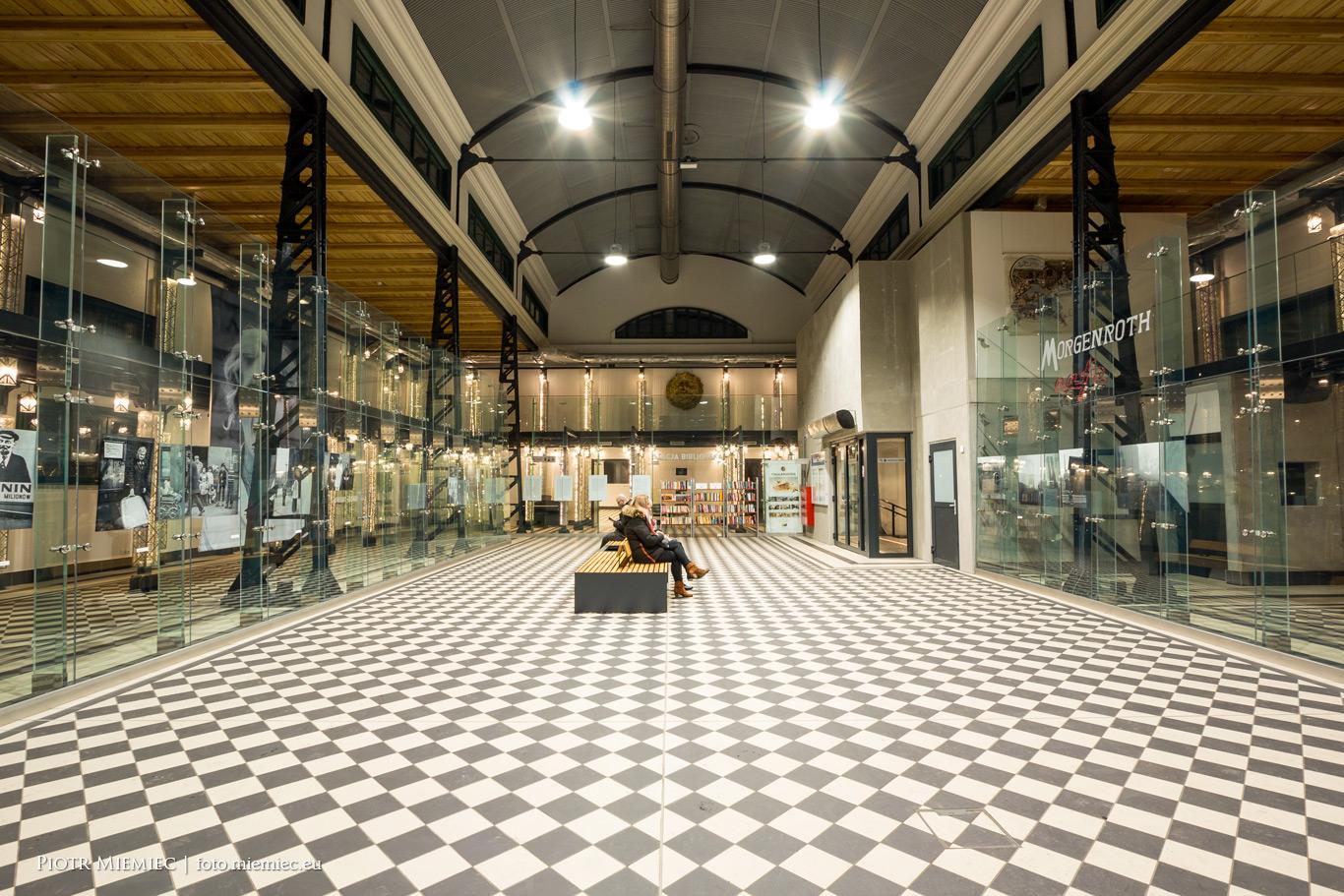 Dworzec biblioteka w Rudzie Śl Chebziu