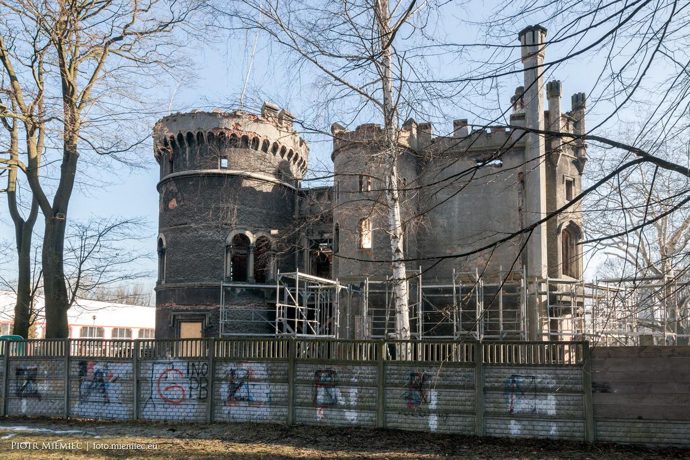 Odbudowa pałacu w Miechowicach