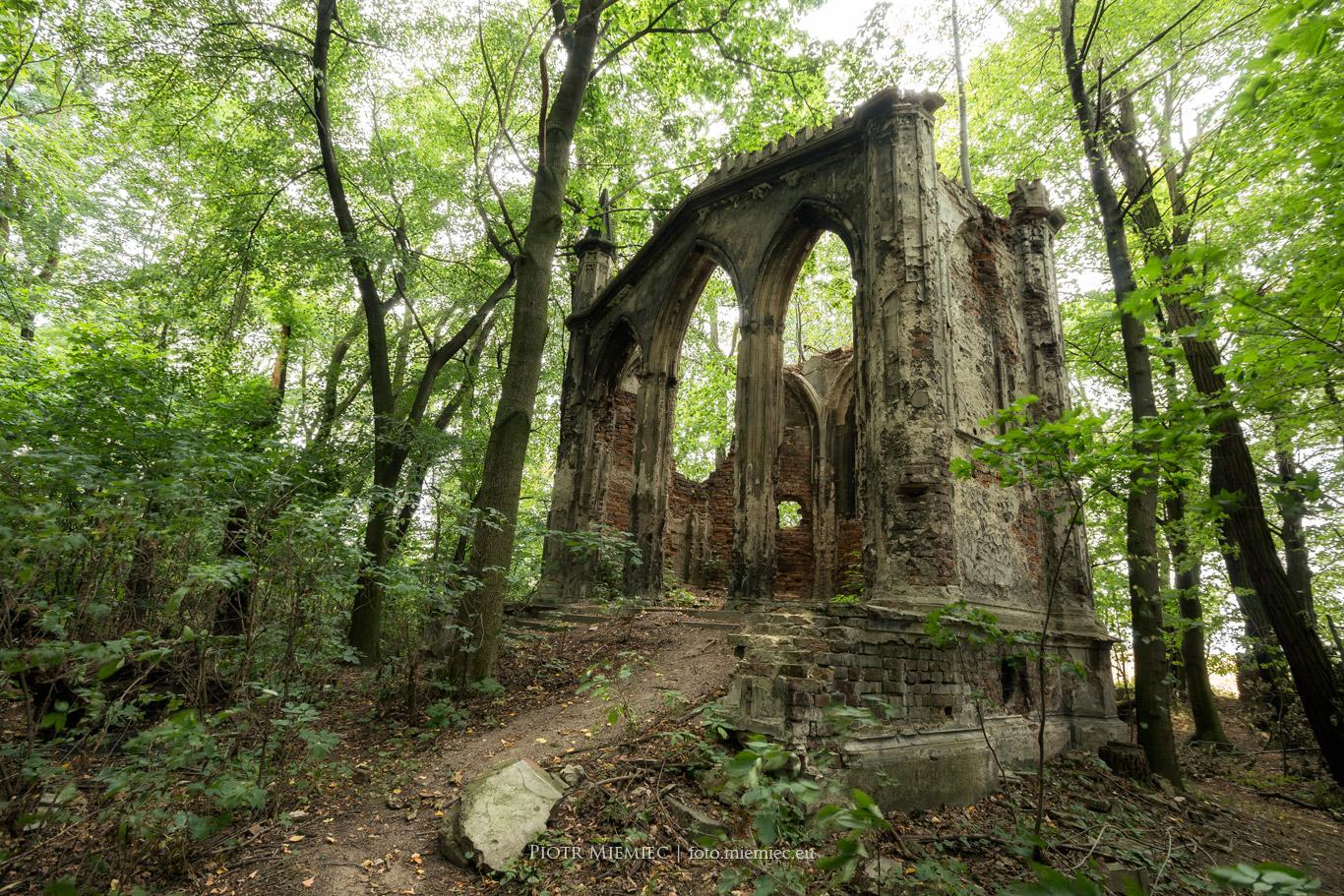 Sławików - mauzoleum