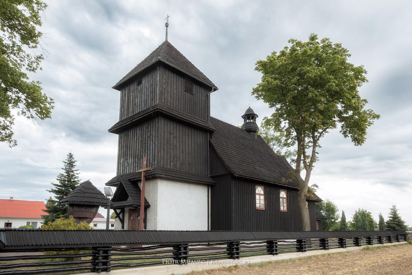 Drewniany kościół w Przewozie