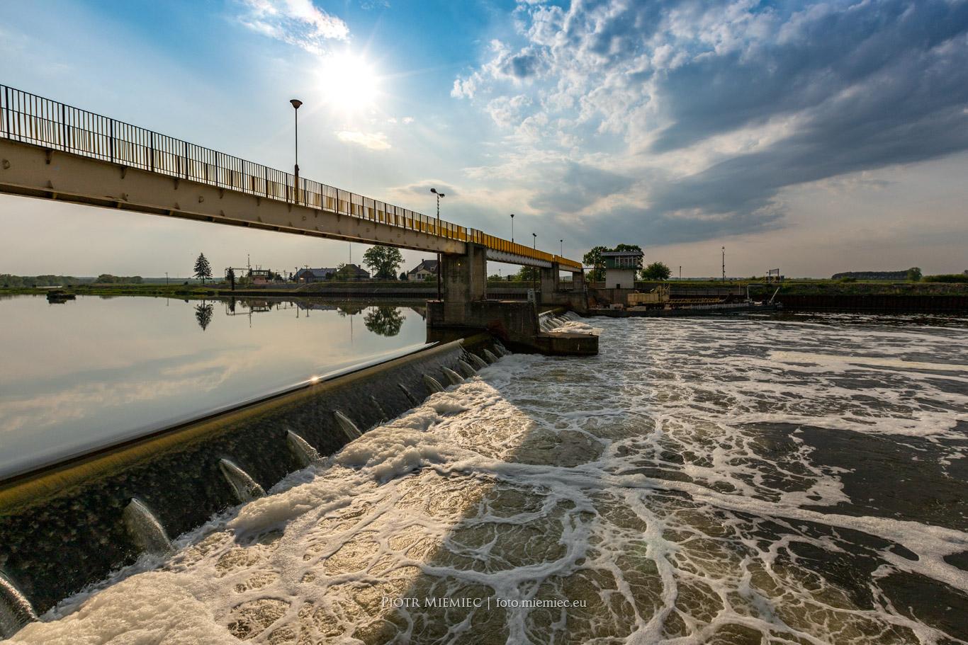 Jaz na rzece Odrze w Kątach Opolskich