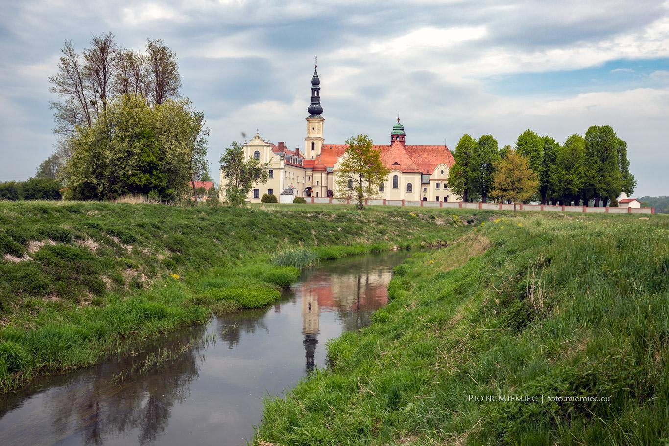 Mochów klasztor paulinów
