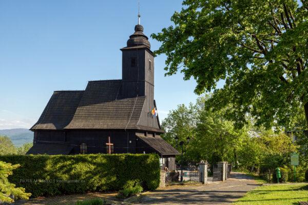 Drewniany kościół w Bielowicku
