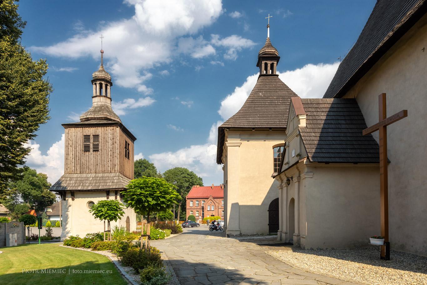 Drewniana dwonnica w Sadowie