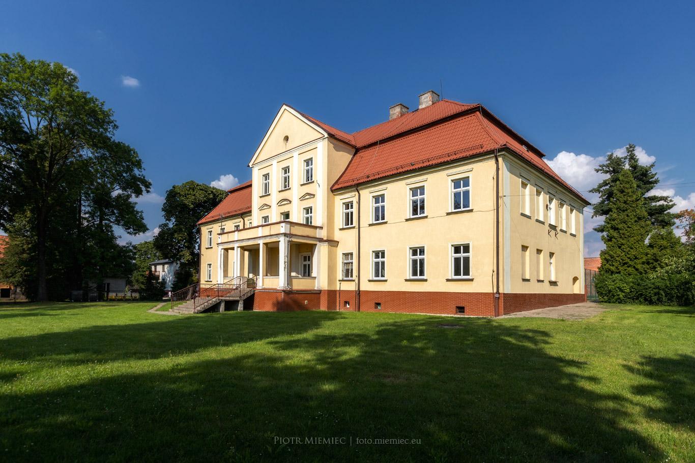Pałac w Kochanowicach
