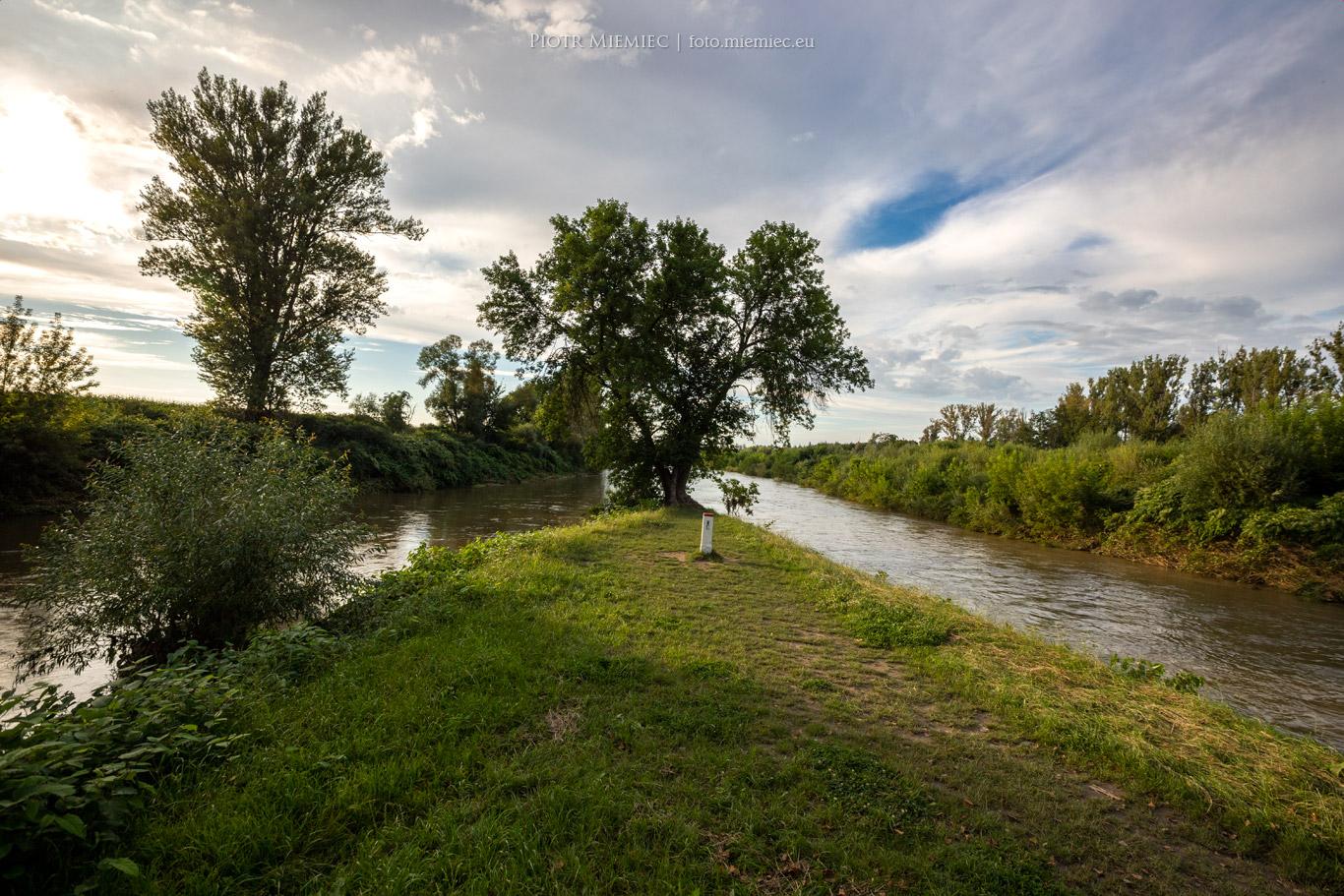 Miejsce gdzie rzeka Olza łączy się z Odrą