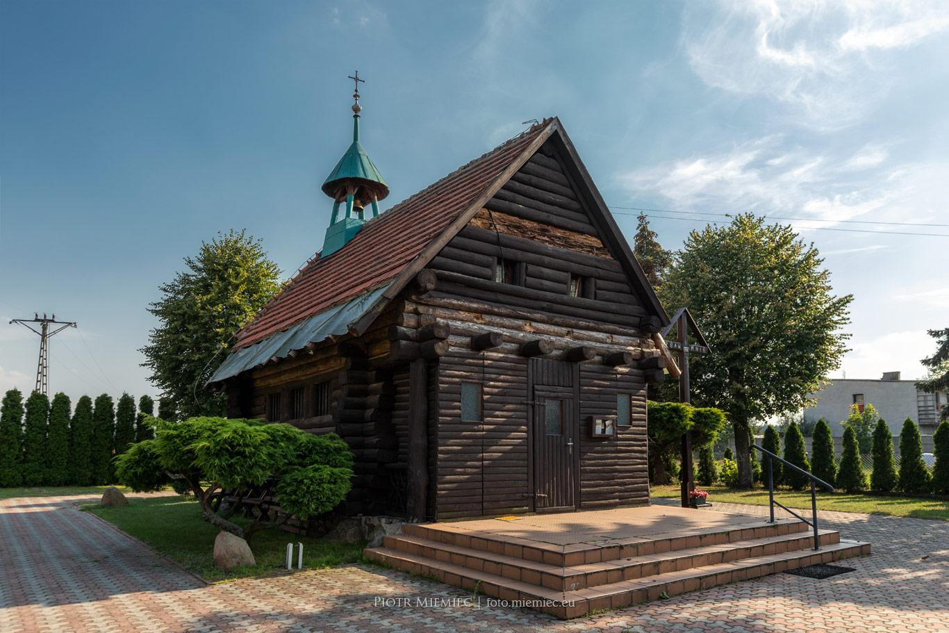 Drewniany kościółek w Pawełkach