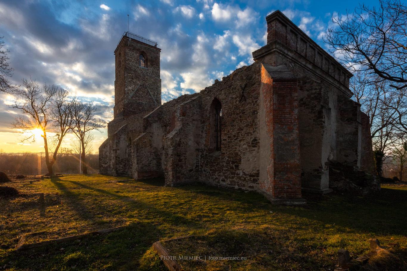 Włodzienin – ruiny kościoła
