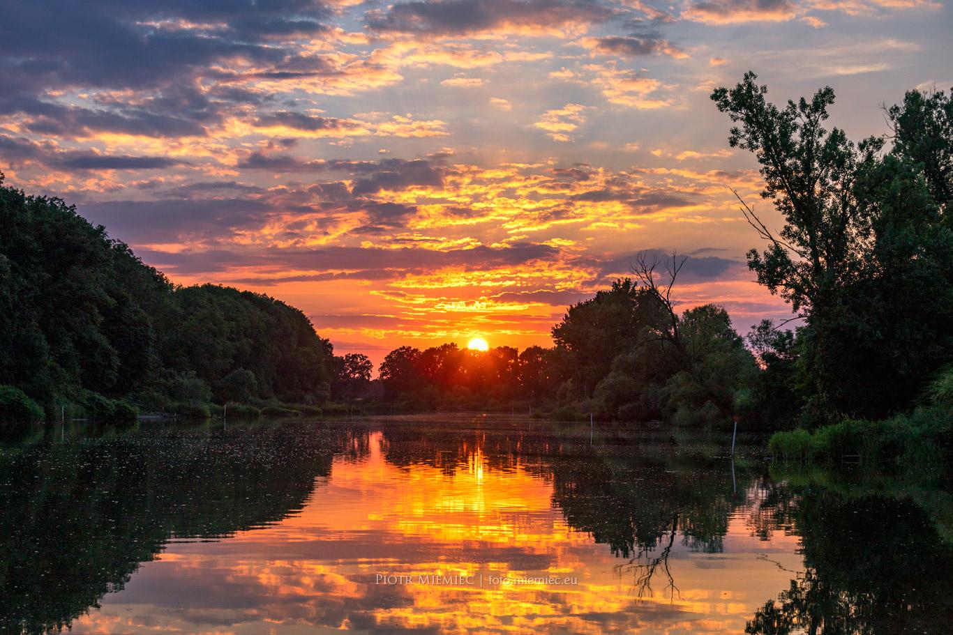 Zachód słońca nad Odrą w Zdzieszowicach